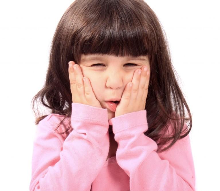 Чем снять ребенку зубную боль в домашних условиях быстро